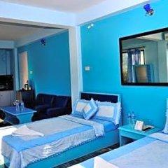 Отель Trekkers Inn Непал, Покхара - отзывы, цены и фото номеров - забронировать отель Trekkers Inn онлайн балкон