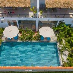 Отель Yellow Daisy Villa бассейн