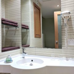 Hôtel Tiba in Tunis, Tunisia from 72$, photos, reviews - zenhotels.com bathroom