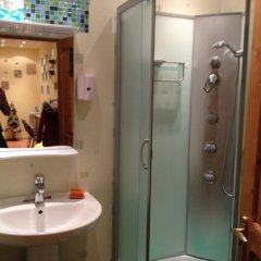 Гостиница Хостел Lana в Москве 4 отзыва об отеле, цены и фото номеров - забронировать гостиницу Хостел Lana онлайн Москва ванная фото 2