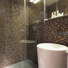 Отель Hôtel Sophie Germain Франция, Париж - 1 отзыв об отеле, цены и фото номеров - забронировать отель Hôtel Sophie Germain онлайн ванная