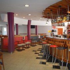 Отель Fenals Garden гостиничный бар