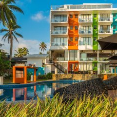 Hotel J Ambalangoda бассейн