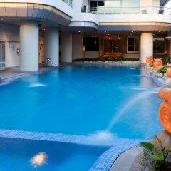 Отель Viva Garden Managed By Bliston Бангкок бассейн