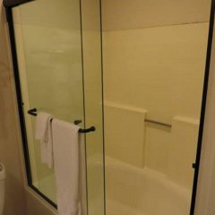 Отель Hilgard House Westwood Village ванная фото 2