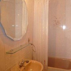 Отель Pension Lorea Испания, Сан-Себастьян - отзывы, цены и фото номеров - забронировать отель Pension Lorea онлайн ванная