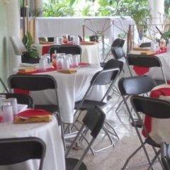Отель Palm Bay Guest House & Restaurant Ямайка, Монтего-Бей - отзывы, цены и фото номеров - забронировать отель Palm Bay Guest House & Restaurant онлайн питание фото 3