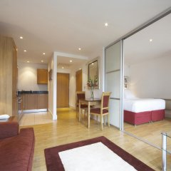 Апартаменты Marlin Apartments Stratford комната для гостей фото 5