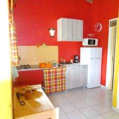 Отель Bungalow With one Bedroom in Guadeloupe, With Pool Access, Enclosed Ga в номере фото 2