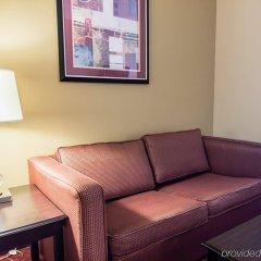 Отель Comfort Inn & Suites Maingate South комната для гостей