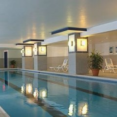 Отель Delta Hotels by Marriott Montreal бассейн фото 2