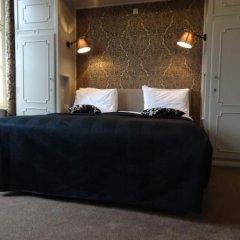 Отель Le Duc De Bourgogne Брюгге сейф в номере