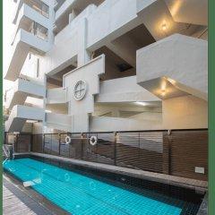 Отель Thomson Hotels & Residences at Ramkhamhaeng Таиланд, Бангкок - отзывы, цены и фото номеров - забронировать отель Thomson Hotels & Residences at Ramkhamhaeng онлайн бассейн фото 2