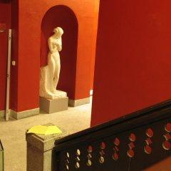 Отель Red Bed & Breakfast Болгария, София - отзывы, цены и фото номеров - забронировать отель Red Bed & Breakfast онлайн ванная