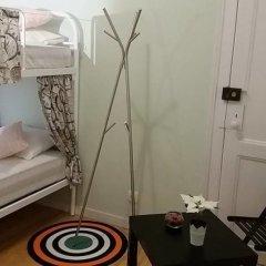 Отель At Ease Inn - Residence комната для гостей фото 3