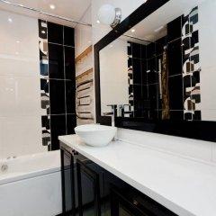 Апартаменты LUXKV Apartment on Zemlyanoy Val 52 ванная фото 2