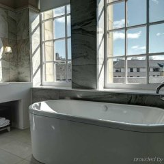 Отель Doubletree By Hilton Edinburgh City Centre Эдинбург спа