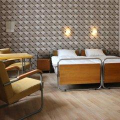 Отель Hostel Boudnik Чехия, Прага - 1 отзыв об отеле, цены и фото номеров - забронировать отель Hostel Boudnik онлайн комната для гостей фото 2
