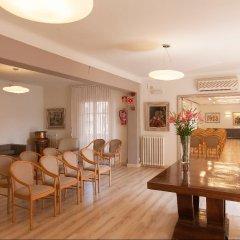 Отель Pirineos комната для гостей