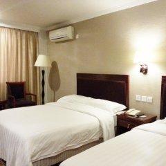 East Asia Hotel комната для гостей