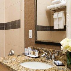 Отель DoubleTree by Hilton - Chelsea США, Нью-Йорк - 8 отзывов об отеле, цены и фото номеров - забронировать отель DoubleTree by Hilton - Chelsea онлайн ванная