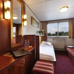 Отель Crossgates Hotelship 3 Star - Medienhafen - Düsseldorf Германия, Дюссельдорф - отзывы, цены и фото номеров - забронировать отель Crossgates Hotelship 3 Star - Medienhafen - Düsseldorf онлайн комната для гостей фото 4