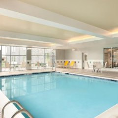 Отель Homewood Suites by Hilton Frederick бассейн
