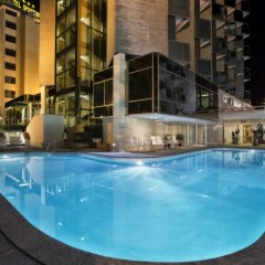 Hotel Ambasciatori Римини бассейн