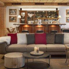 Отель Swiss Alpine Hotel Allalin Швейцария, Церматт - отзывы, цены и фото номеров - забронировать отель Swiss Alpine Hotel Allalin онлайн гостиничный бар