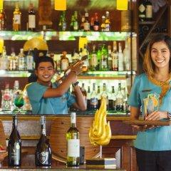 Отель Sandalwood Luxury Villas гостиничный бар