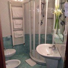 Отель Regina Римини ванная