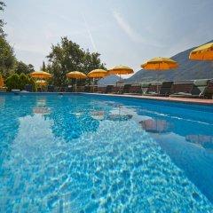 Отель Eberle Больцано бассейн