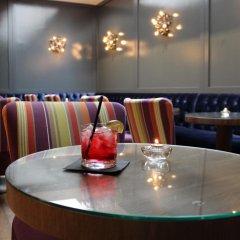 Luxe Hotel Rodeo Drive гостиничный бар