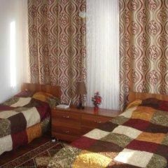 Отель Sweet House Guest house Кыргызстан, Каракол - отзывы, цены и фото номеров - забронировать отель Sweet House Guest house онлайн комната для гостей фото 2