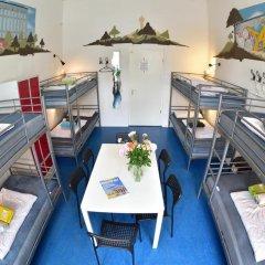 Kiez Hostel Berlin бассейн