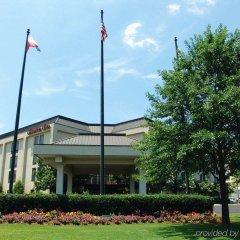 Отель Hampton Inn Meridian спортивное сооружение