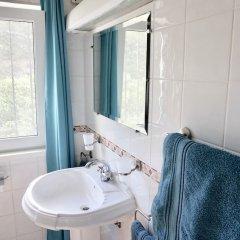 Отель The White House - B&b In The Villa Пешао ванная