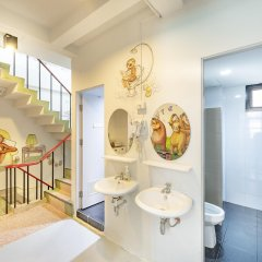 Sloth Hostel Бангкок ванная