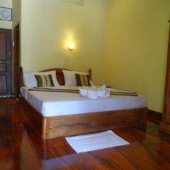 Отель Villa Somphong сейф в номере