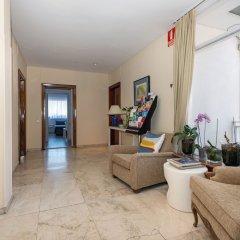Отель Apartamentos Los Jerónimos интерьер отеля
