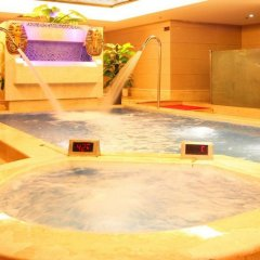 Century Plaza Hotel бассейн фото 3
