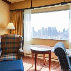 Отель Place Dupuis Montréal Downtown - An Ascend Hotel Collection Канада, Монреаль - отзывы, цены и фото номеров - забронировать отель Place Dupuis Montréal Downtown - An Ascend Hotel Collection онлайн удобства в номере фото 2
