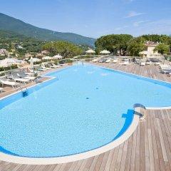 Hotel La Perla Del Golfo Проччио бассейн