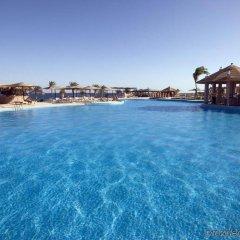 Отель Morgana Beach Resort бассейн