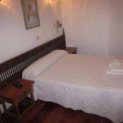Отель Hostal Esmeralda комната для гостей фото 3
