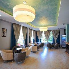 Отель Sandy Beach Resort интерьер отеля