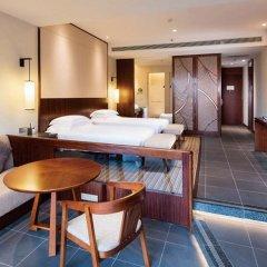 Отель Hilton Sanya Yalong Bay Resort & Spa сейф в номере