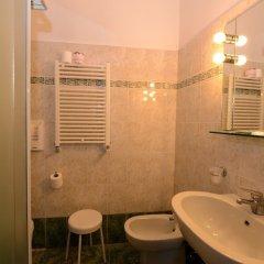 Отель Iris Venice Италия, Венеция - 3 отзыва об отеле, цены и фото номеров - забронировать отель Iris Venice онлайн ванная фото 3