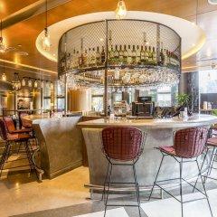 Отель Ascott Raffles Place Singapore гостиничный бар
