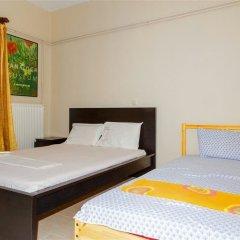 Отель George's House сейф в номере